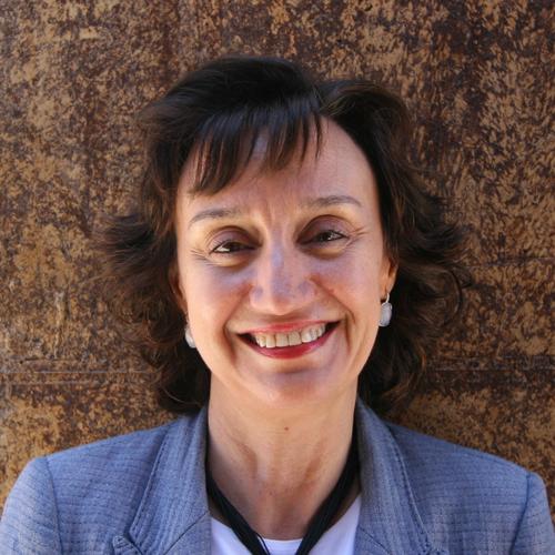 Dña. Mª. Ángeles Gómez